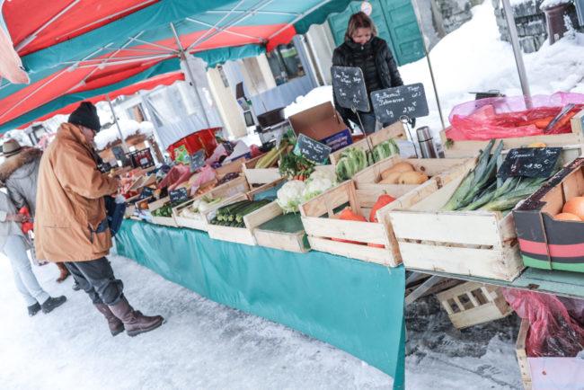 marché hebdomadaire en hiver