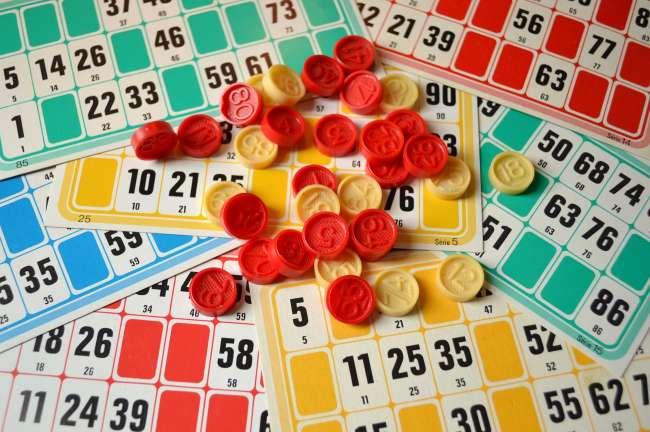 loto, cartes et jetons